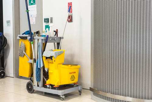 Building Completion Cleaning Services : Building cleaning and maintenance service