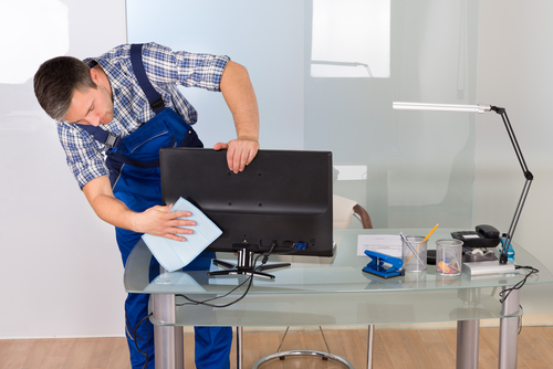 How To Keep Your Office Desk Clean